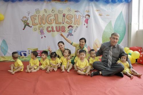 Học Tiếng Anh cùng Giáo Viên Bản Ngữ - Xu thế của ba mẹ hiện đại